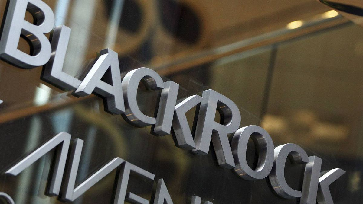 The BlackRock logo is seen outside of its offices in New York January 18, 2012.