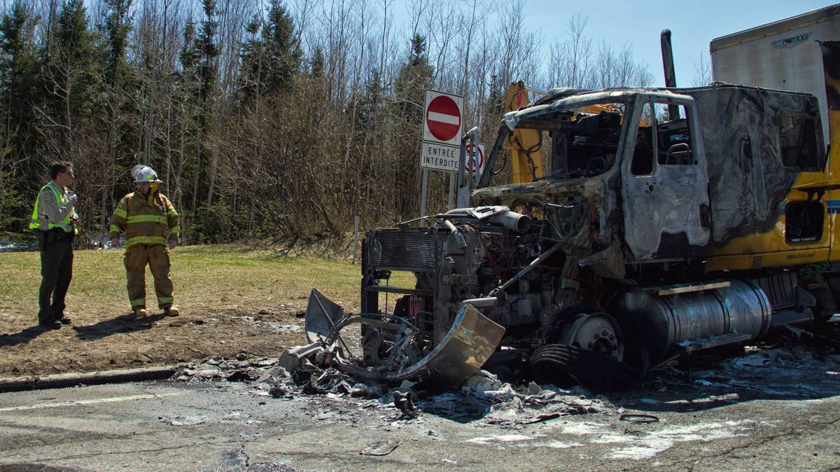 A tractor truck transporting circus animals caught on fire around noon on Saturday in Baie-St.-Paul, Que., near Quebec City.