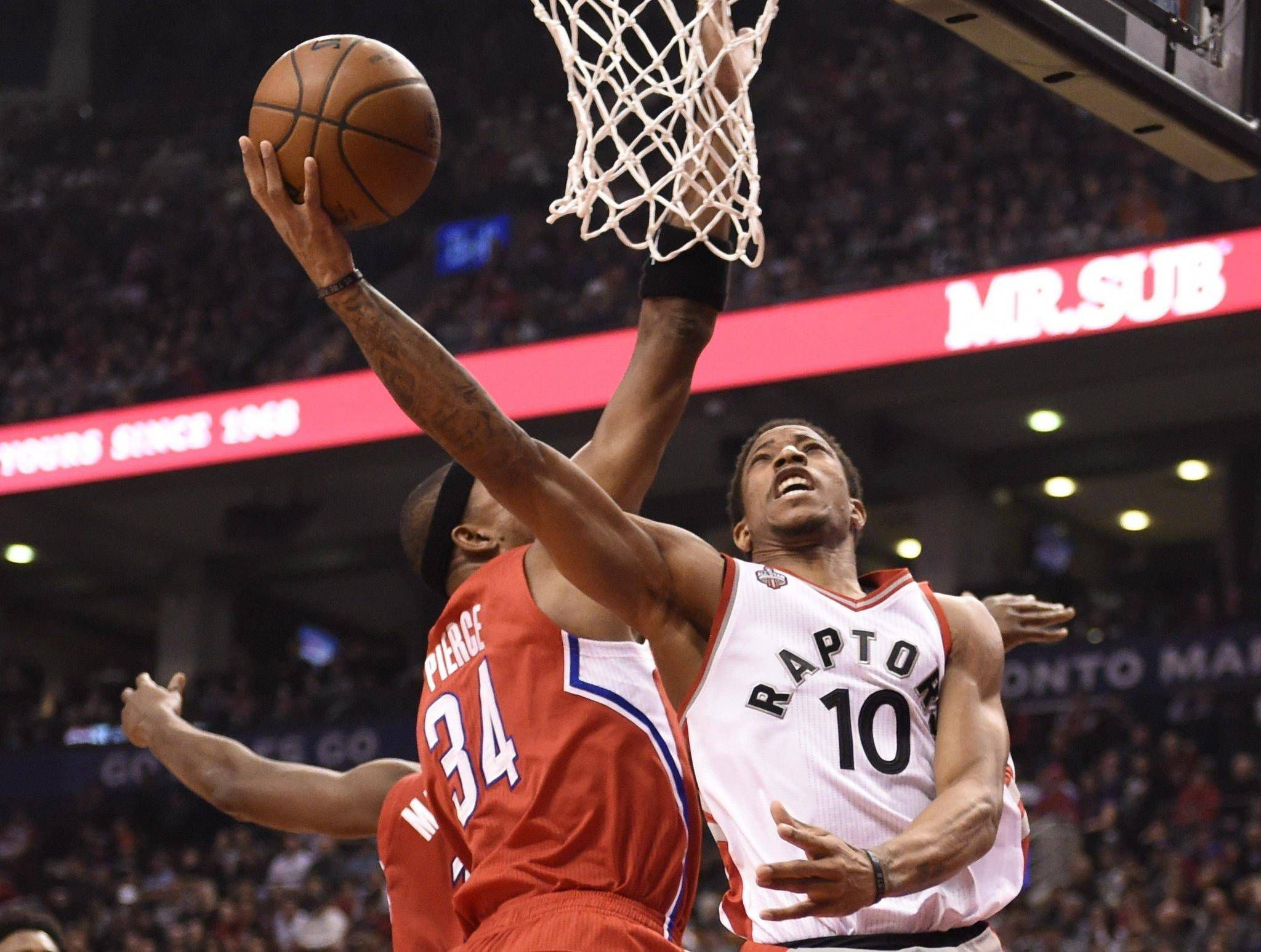 28df0fdf58e Raptors' DeRozan unhappy again at SI rating despite jumping 10 places