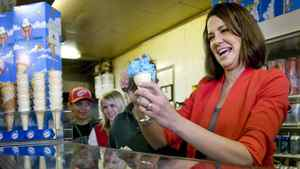 Wildrose Leader Danielle Smith serves ice cream during a campaign stop in Strathmore, Alta., on April 14, 2012.
