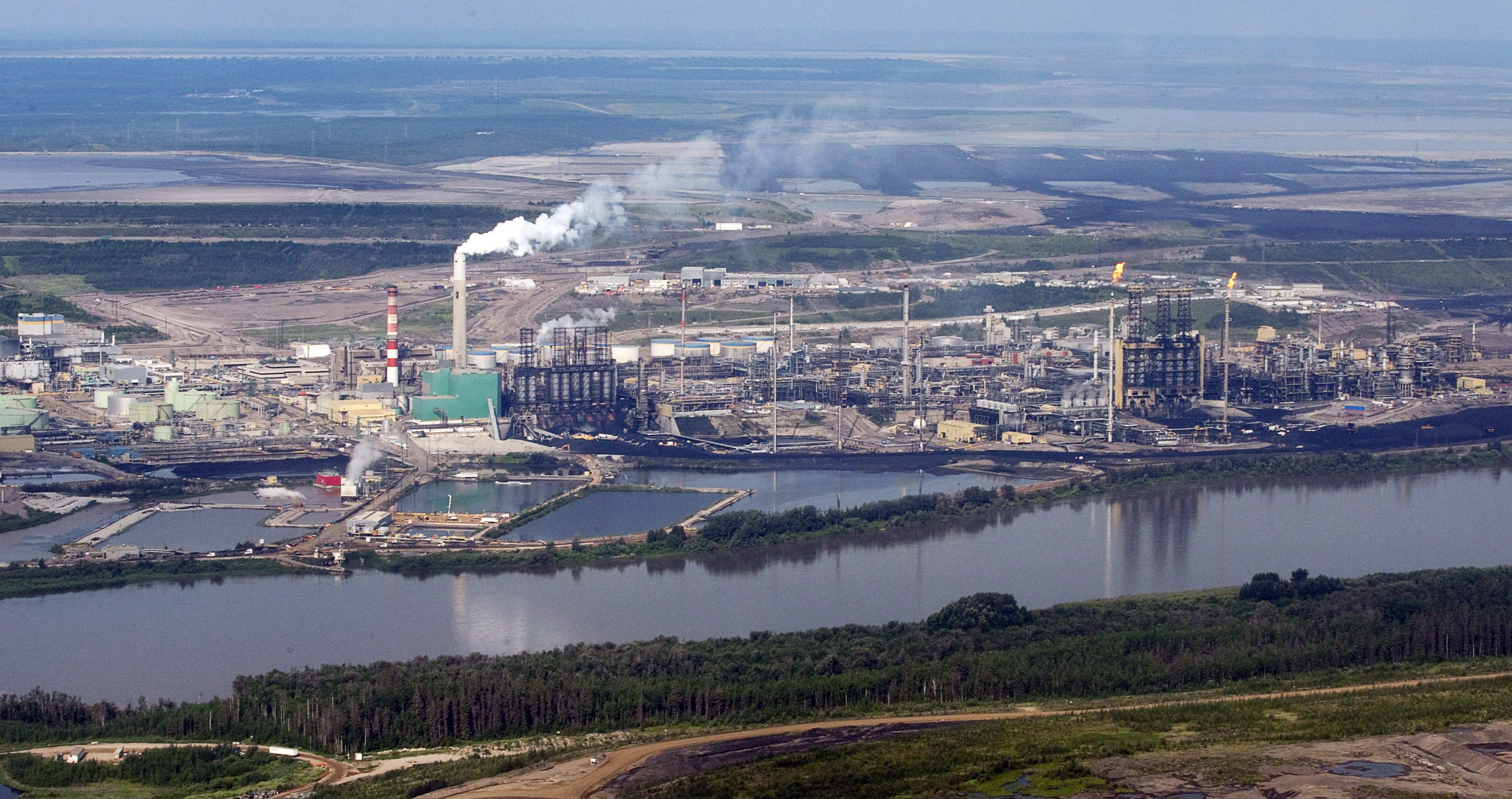 Zurich Insurance to shift investment away from oil sands in broad carbon policy