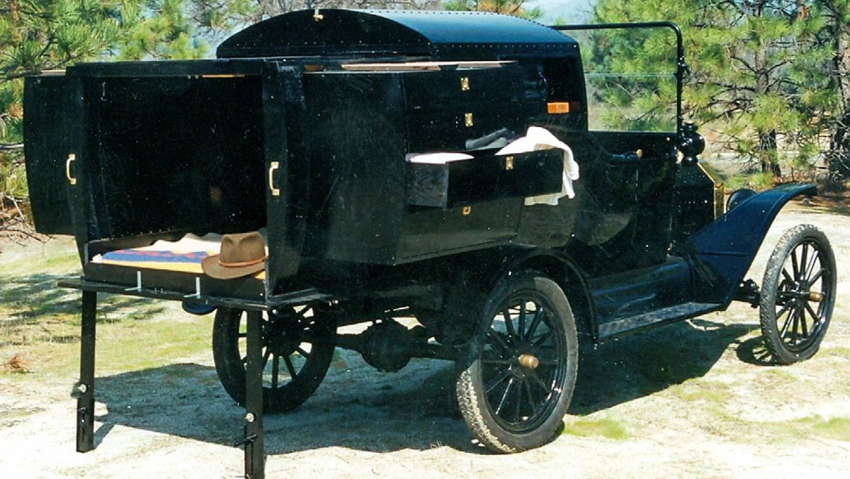 This 1915 Model T was fitted with a Telescope Apartment that includes multiple slide-outs.