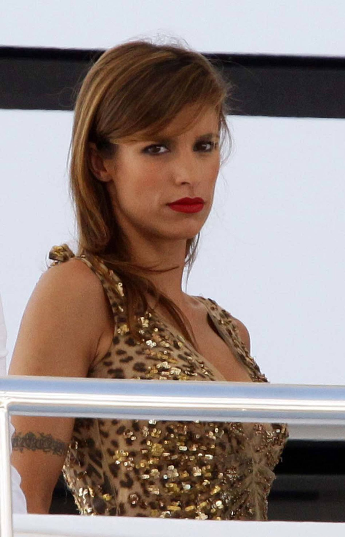 Pouty Elisabetta Canalis is at the Cannes Film Festival and mssing her boyfriend.