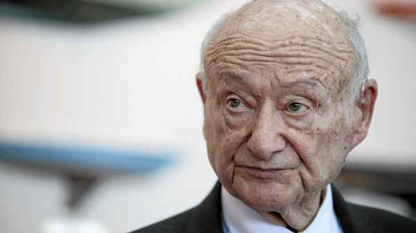 Ed Koch speaks at the renaming of the Queensboro Bridge in his honor at The Water Club Restaurant on May 19, 2011 in New York.