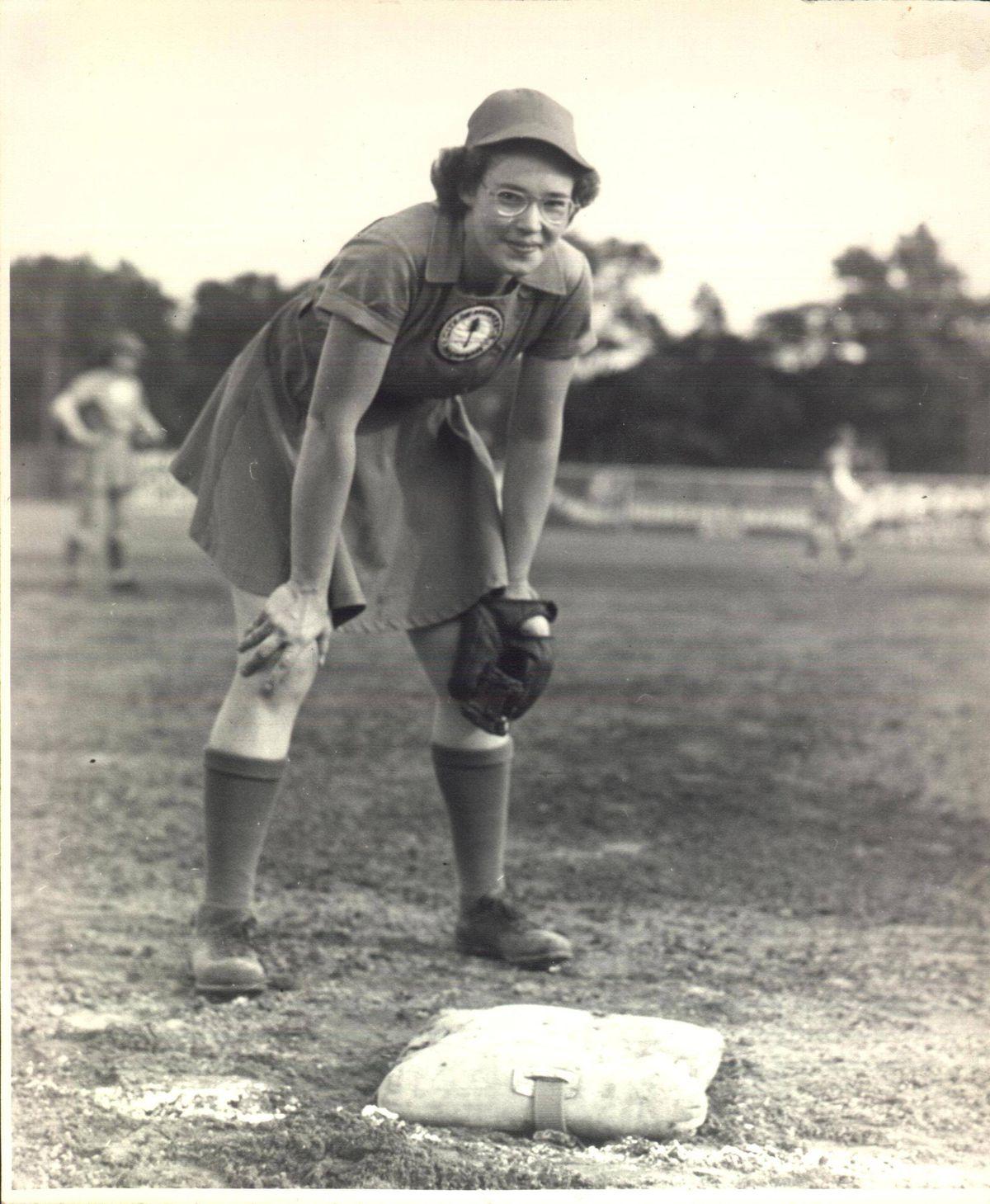 all american girls baseball league - HD1200×1459