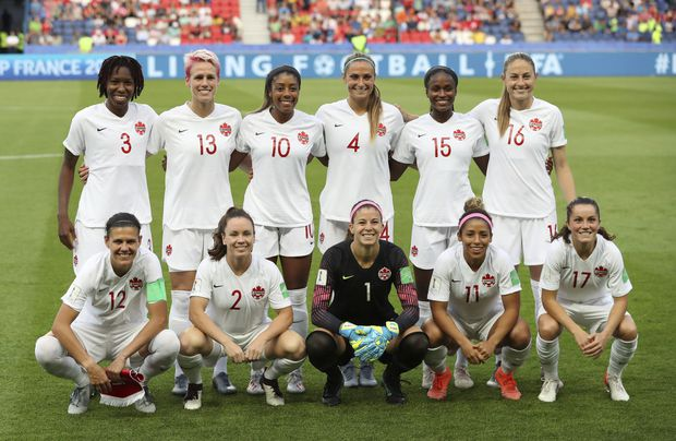 Canadian women's soccer team calls up 15-year-old midfielder Olivia Smith