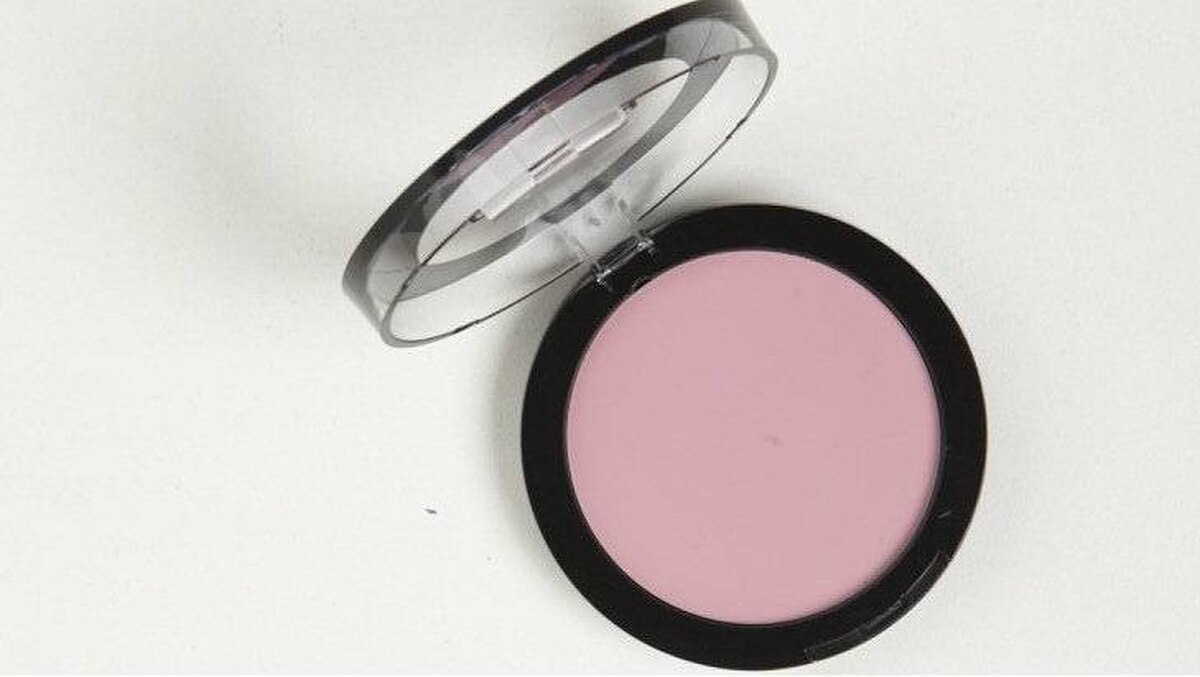 Gosh Natural Touch Cream Blush in Silky Rose, $18 at Shoppers Drug Mart (www.shoppersdrugmart.ca).