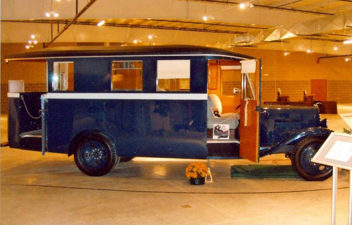 In Pictures Fourteen Sleek And Stylish Vintage Rvs The