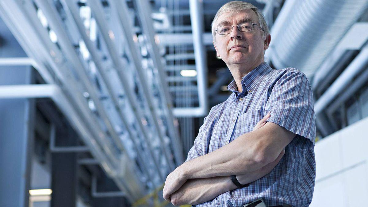 Project leader Mark de Jong at the Canadian Light Source synchrotron at the University of Saskatchewan.