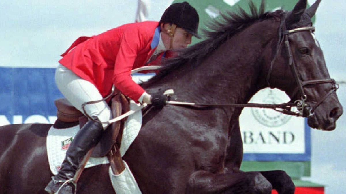 Show-jumping rider Beth Underhill suffered a concussion at the Royal Winter Fair on Wednesday. (FILE PHOTO: CP/Dave Buston)