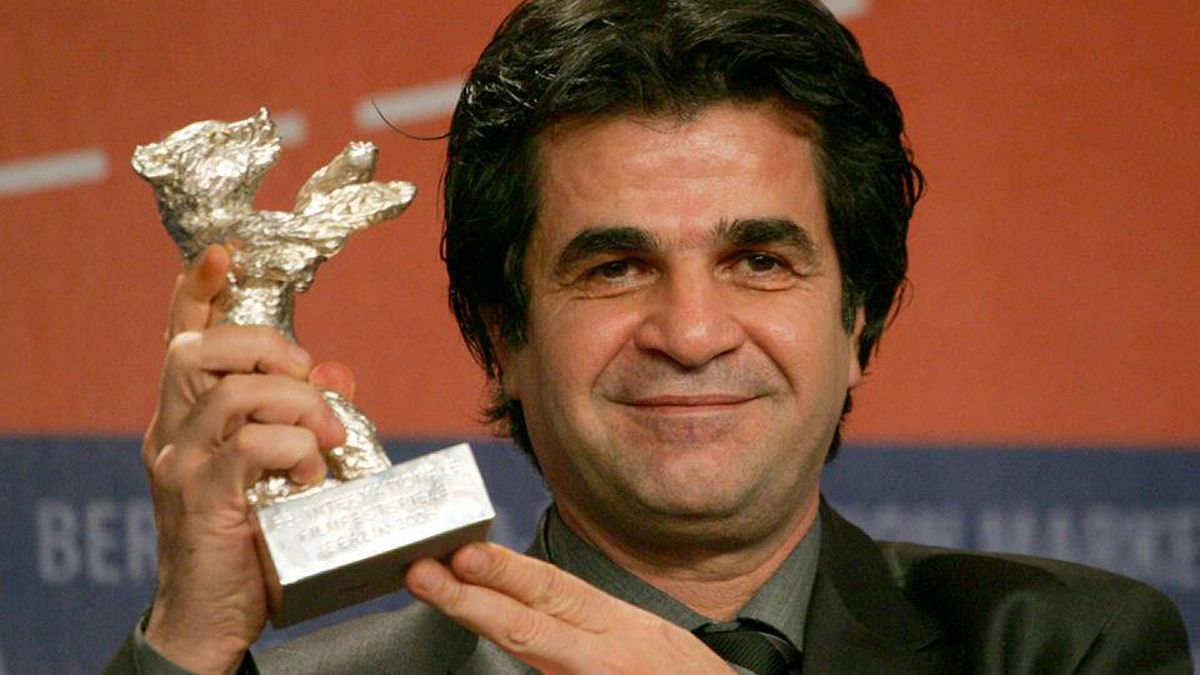Iranian director Jafar Panahi posing with his Jury Grand Prix silver bear award for his movie Offside at the 56th Berlinale Film Festival in Berlin in 2006.