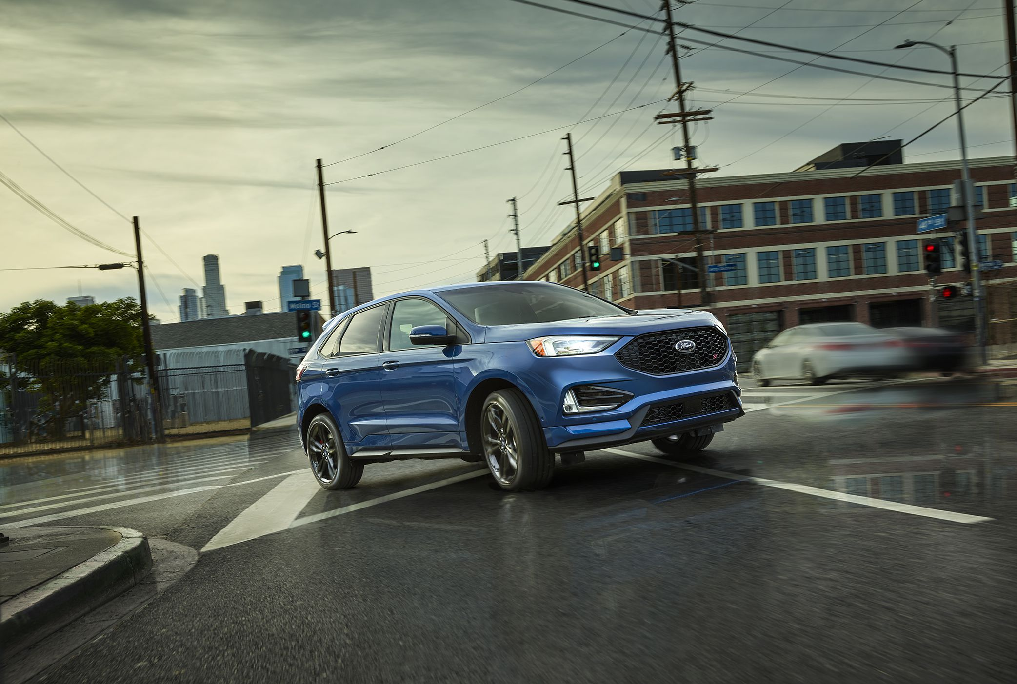 Review The Ford Edge St Starts To Live Up To Its Name The Globe And Mail