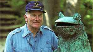 Francis Cabot with one of his garden friends at Les Quatre Vents.