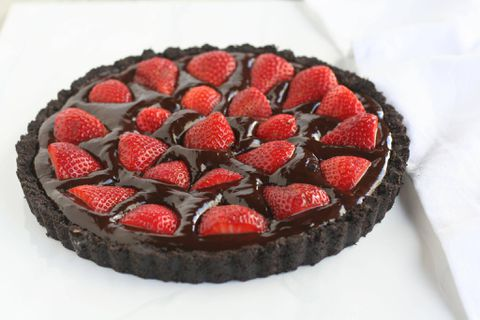 Recipe: No-bake strawberry chocolate ganache tart