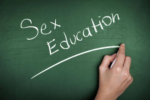 Quebec to launch 'no exemptions' sex ed pilot project in schools