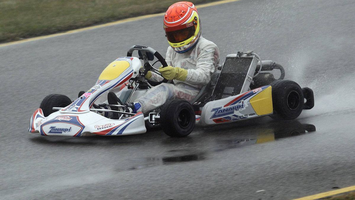 Kart driver Lance Stroll of Canadabattles wet conditions during a training session at the South Garda Karting circuit in Lonato, northern Italy December 15, 2011. Photo: Alessandro Garofalo