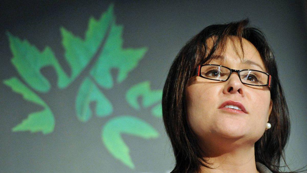 Health Minister Leona Aglukkaq speaks at the University of Ottawa Heart Institute on March 15, 2012.