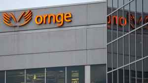 The head offices of Ornge in Mississauga, Feb. 16, 2012. The Ontario Provincial Police were asked by the Ministry of Health to investigate financial transactions involving Ornge and a series of private, for-profit entities it created.