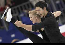 Canadian ice dancers Kaitlyn Weaver and Andrew Poje perform during a training ice dance session at the 2012 World Figure skating Championships in Nice, southern France.
