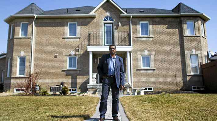 Anthony Wright just sold his Mississauga town-house end unit for $20,000 more than his asking price. While he feels bad for one of the bidders whose real estate agents took the unusual step of bringing her so she could plead her case, he is happy with the result.