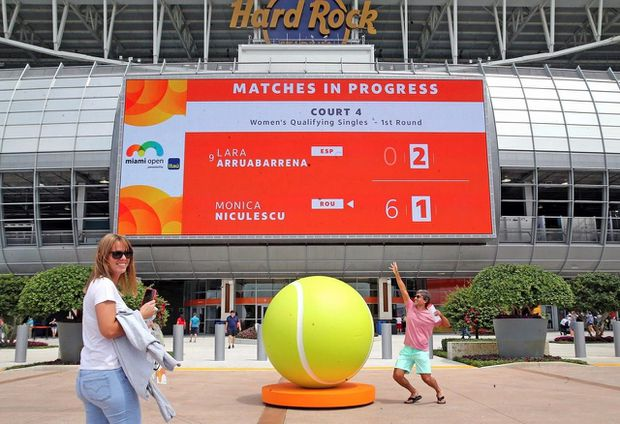Miami Open tennis tournament moves to NFL Dolphins' home