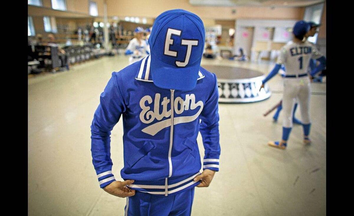 Yukichi Hattori gets into costume as Sir Elton John.