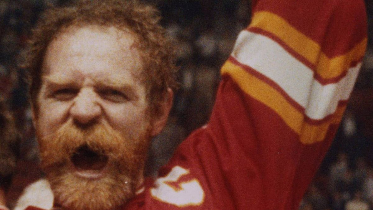 Calgary Flames' Lanny McDonald raises the Stanley Cup in Montreal, May 25, 1989, after Flames defeated Canadiens. (CP PHOTO/Bill Grimshaw)