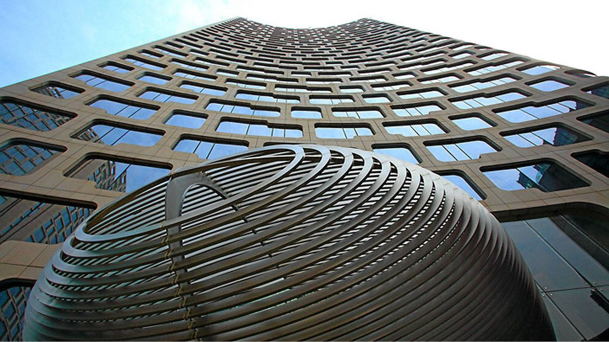 Andaz Shanghai is a short walk to the Metro and Huai Hai Zhong Road, one of Shanghai's premier shopping areas.