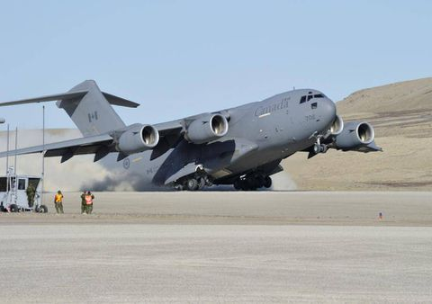 Canadian planes to help carry weapons to Iraqi Kurds