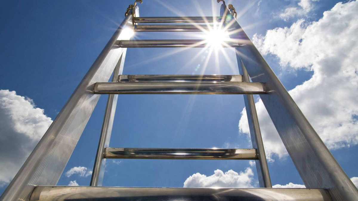 A quick ascent up the corporate ladder requires careful planning.