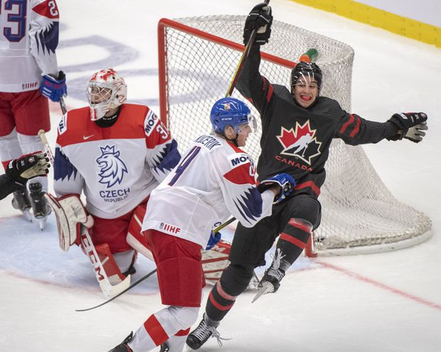 Canada cruises past host Czechs 7-2 to clinch Group B at world juniors