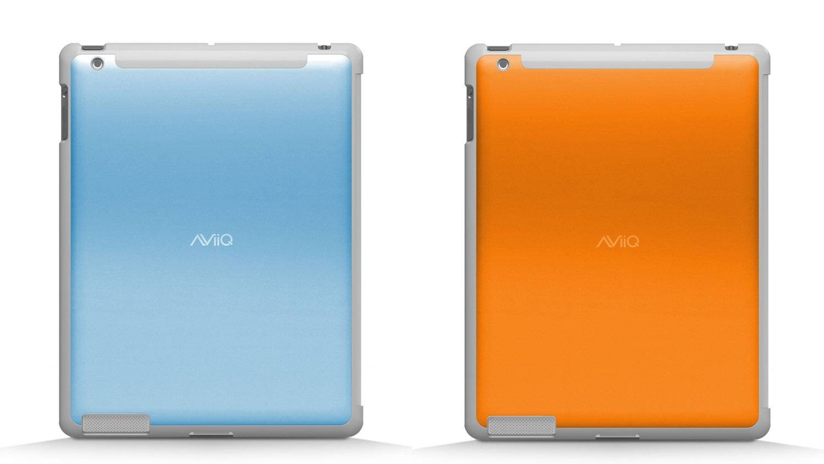 AViiQ Smart Case A perfect complement to Apple's Smart Cover, these iPad 2 backs are made of aluminum and plastic, providing not just protection but also acting to dissipate heat when that tablet has been running on overdrive. The iPad 2 snaps smartly into the cases that are coloured to match Apple's magic magnet covers. (US34.99–$39.99; aviiq.com)