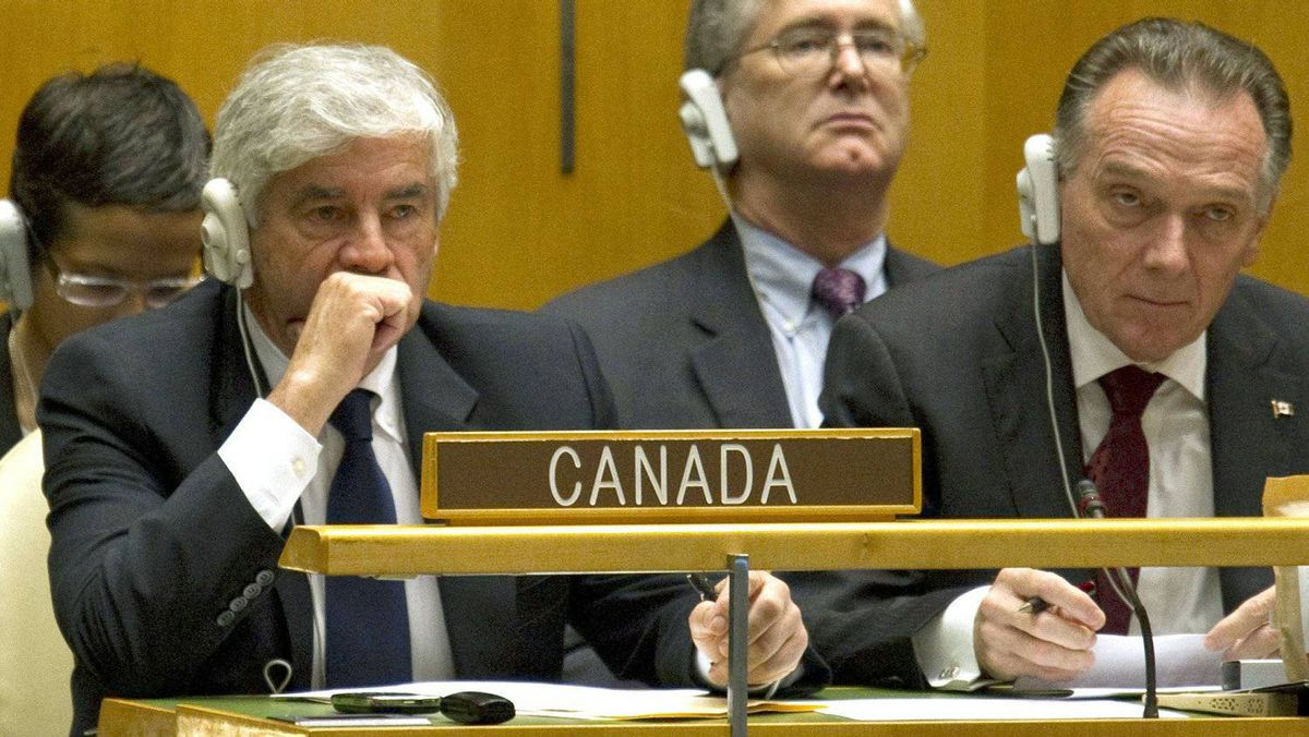 Foreign Affairs Minister Lawrence Cannon and junior minister Peter Kent react after the first round of Security Council voting at UN headquarters in New York on Oct. 12, 2010.