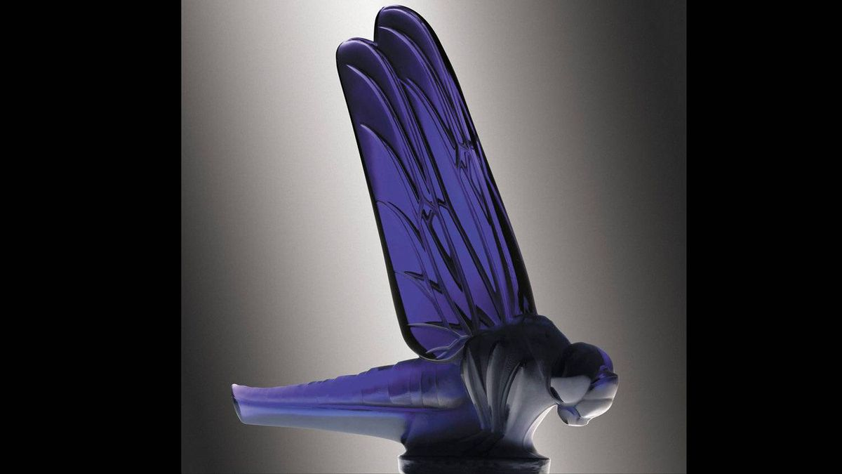 Many of Lalique's mascots were apparently used as paperweights and these likely have a much higher survival rate than those actually used on cars.