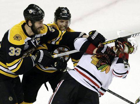 Watch: Bruins 2, Blackhawks 0