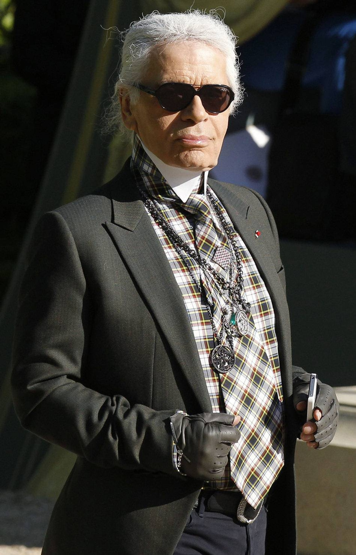 Karl Lagerfeld in full-on cruise control. His reign continues.