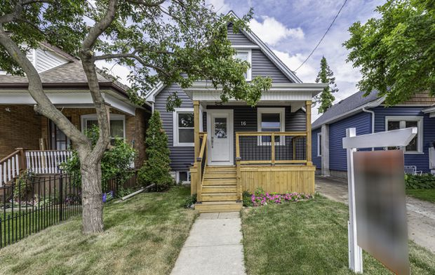 Small Hamilton House With A Tiny Price Tag Sells Quickly