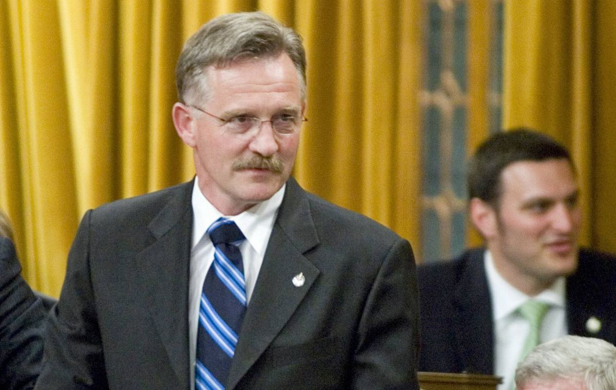 Conservativ MP Gerald Keddy vote in favour of the government's federal budget in the House of Commons on Tuesday, June 12, 2007.