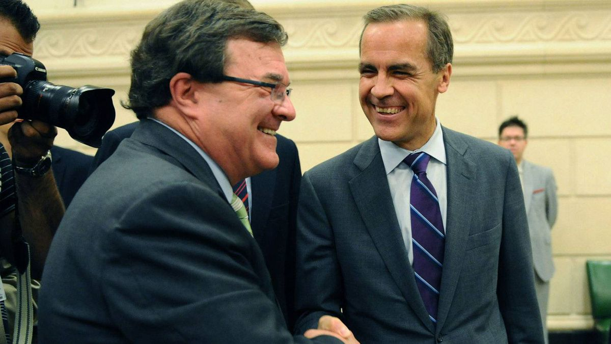 Finance Minister Jim Flaherty and Bank of Canada Governor Mark Carney at a finance committee meeting in Ottawa in August. THE CANADIAN PRESS/Sean Kilpatrick