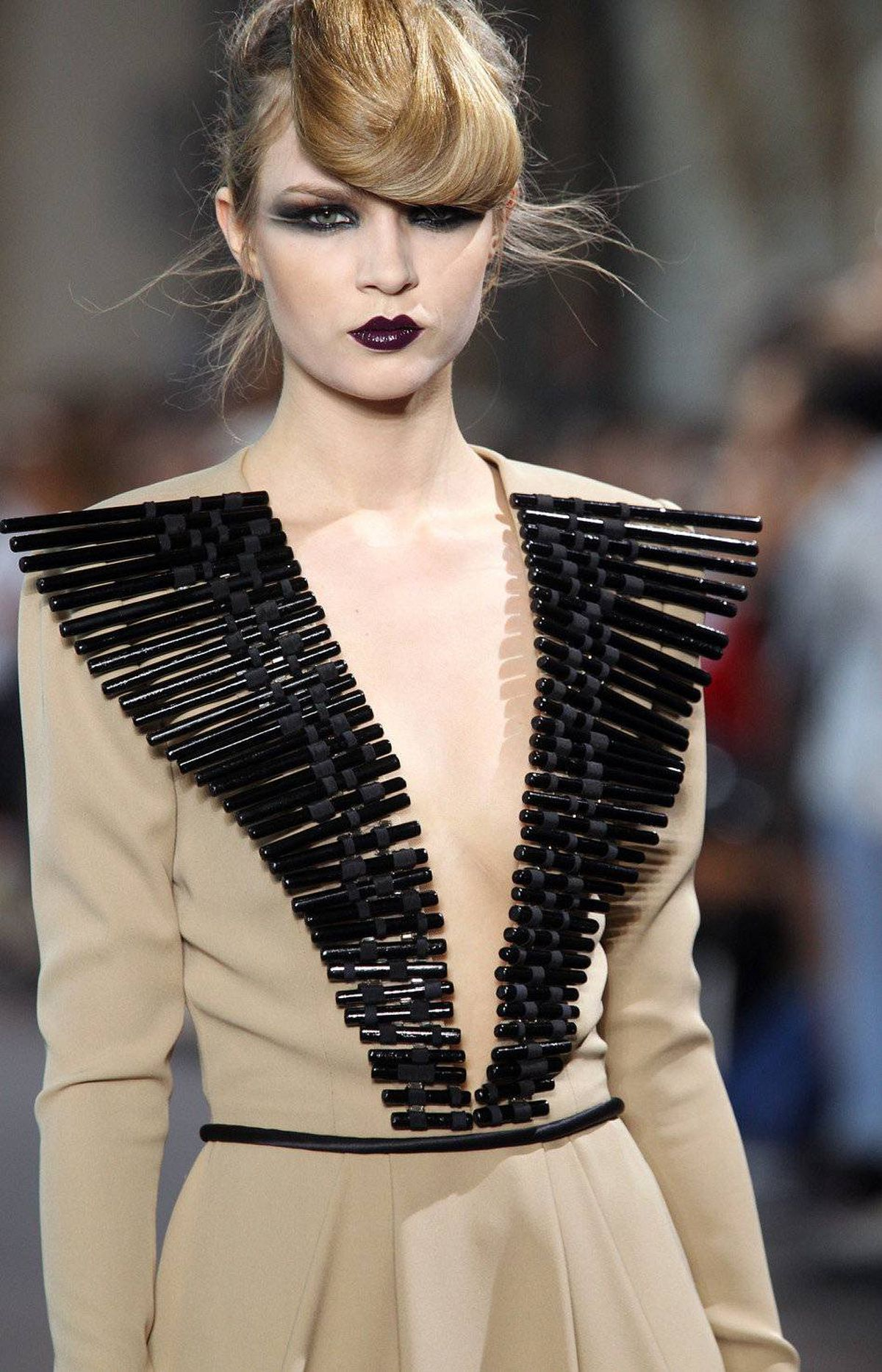 Stephane rolland 39 s fall winter 2011 collection the globe for French couture