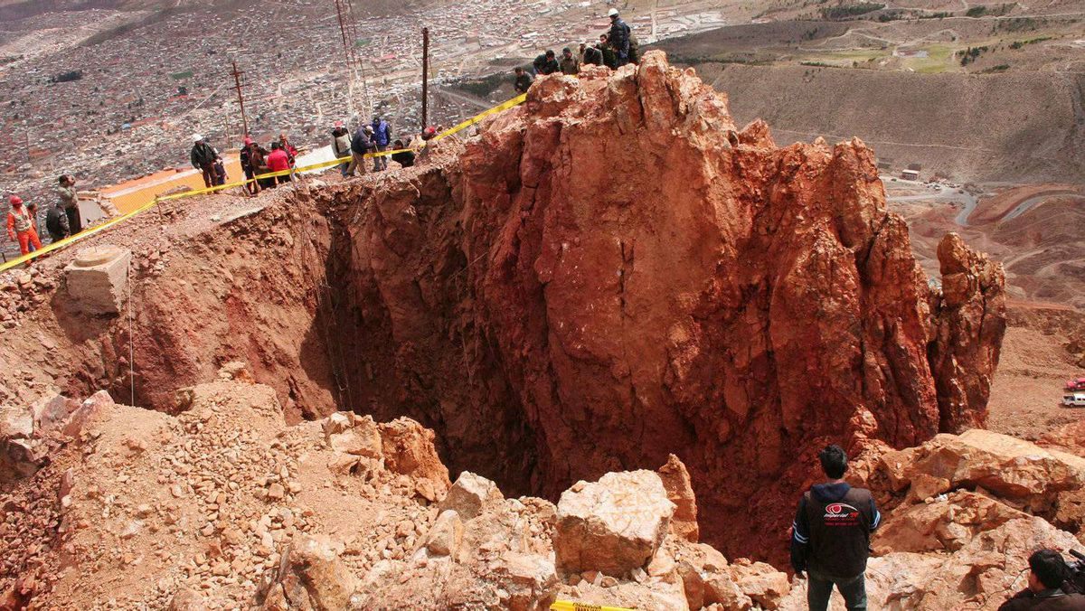 A view of the crater at the top of Cerro Rico mountain which measures 17 meters in diameter and 22 meters in depth in Potosi, Bolivia, on January 25, 2011.