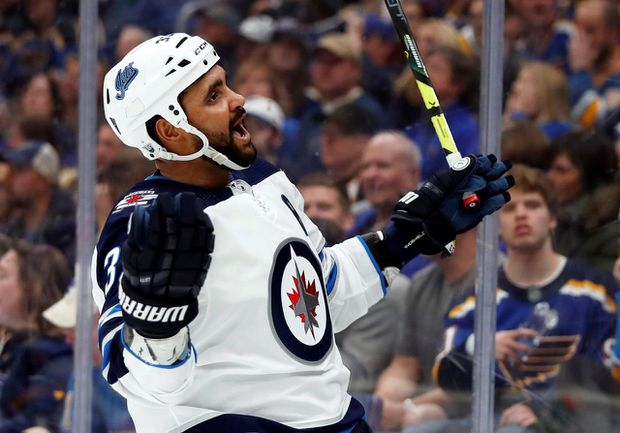 Winnipeg Jets Gm Sheds Little Light On Complicated Relationship With Dustin Byfuglien The Globe And Mail