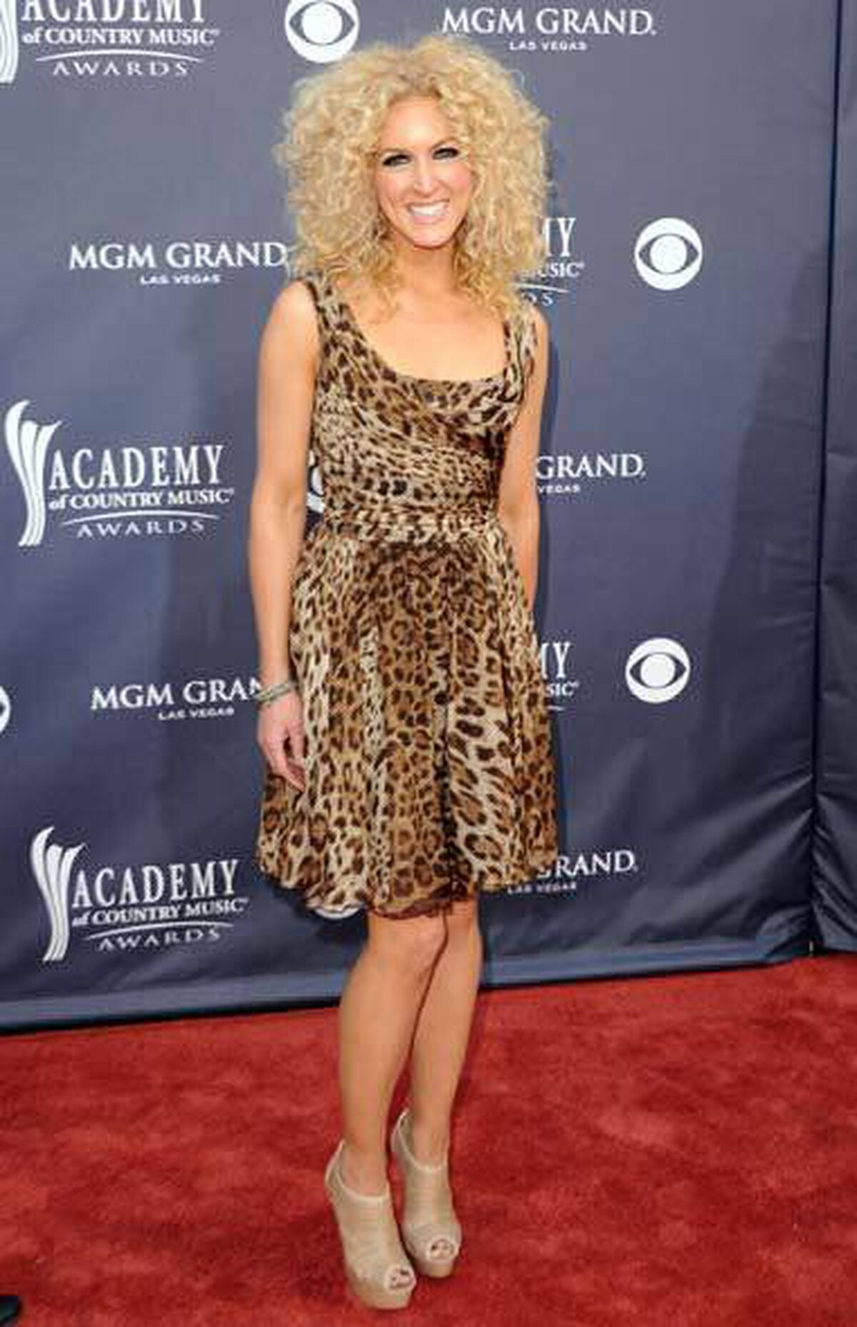 Kimberly Schlapman of Little Big Town also showed up at the CMAs in the kind of dress that you'd be unlikely to see at a typical country hoedowns.