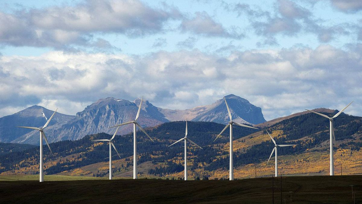 Windmills generate electricity in the foothills of the Rocky Mountains near the town of Pincher Creek, Alberta September 27, 2010.