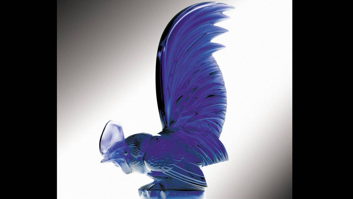 Lalique produced his creations – which depicted animals, birds, insects, comets and nudes – mostly in clear glass, but sometimes in frosted, satin finish or opalescent glass, and others tinted or coloured.