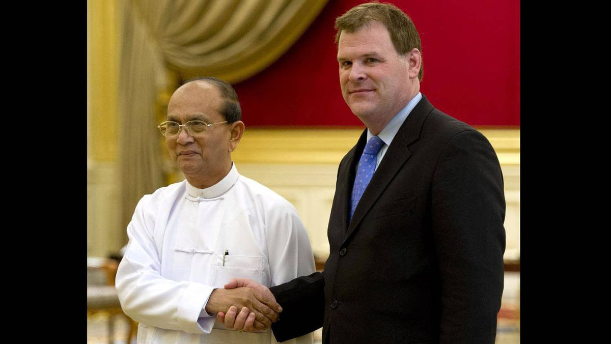 Foreign Affairs Minister John Baird meets Myanmar President Thein Sein at the presidential palace in Naypyitaw, Myanmar, on March 8, 2012.