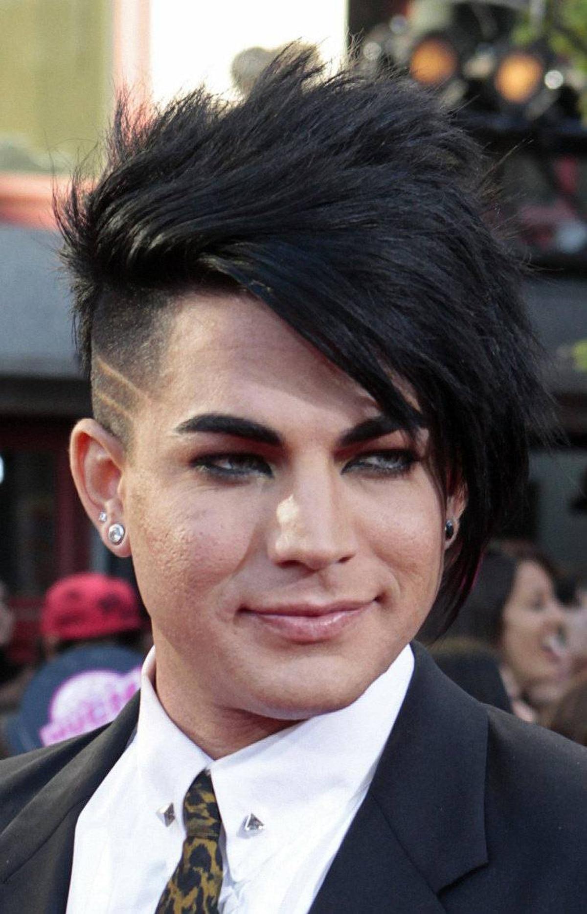 Adam Lambert: Glam goth