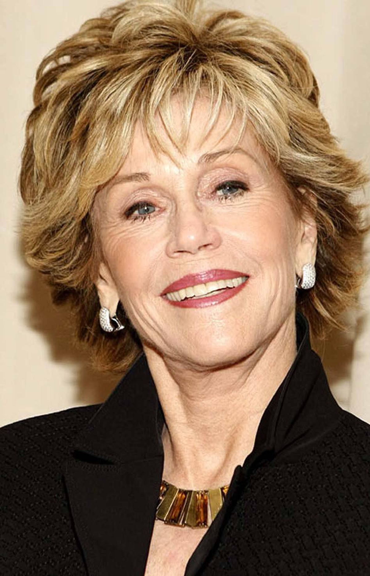 BIOGRAPHY Private Screenings: Jane Fonda TCM, 7 p.m. ET; 4 p.m. PT Happy birthday to Jane Fonda, who turns 74 today and still holds the unique distinction of being a celebrity triple threat. Beyond her longstanding reputation as a political activist, she also kick-started the fitness revolution in the eighties with her best-selling workout videos. Along the way, Fonda also won two Academy Awards for acting. In this in-depth interview with TCM host Robert Osborne, she discusses the challenges of growing up the daughter of movie icon Henry Fonda and the film roles that she wants to be remembered by.