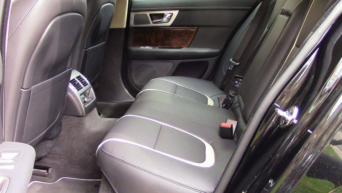 in photos 10 tips to make your car shine this spring the globe and mail. Black Bedroom Furniture Sets. Home Design Ideas