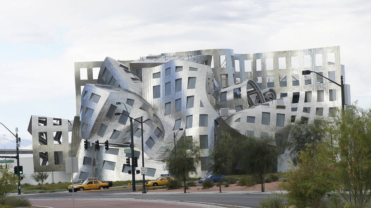 Simon Richard Farrow photo: Not your typical Las Vegas Building - Frank Gehry's Cleveland Clinic for Brain Health in Las Vegas, opened in 2010. I took the photo last November.